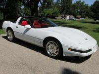 HI I HAVE A 1994 CHEVROLET CORVETTE C-4 FOR SALES IN