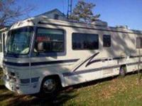 1994 Fleetwood Flair This Class A recreational vehicle