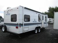 1994 Fleetwood Mallard...23ft travel trailer Nice clean