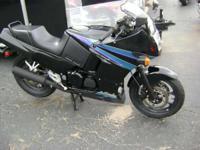 1994 Kawasaki ninja 600 low miles !! ready to ride!!