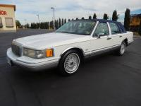 1994 LINCOLN TOWN CAR SIGNATURE LOVELY ALL ORIGINAL