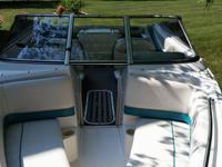 1994 Monterey 19 foot ski boat. Bimini cover. Snap on