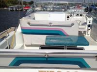 33ft Rinker 330 fiesta vee verry well equiped like a