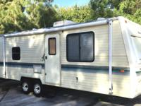 1994 savanna by Fleetwood 28ft travel trailer fully