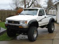 94 Toyota 4X4 with a 22RE 4 cylinder engine. It has an