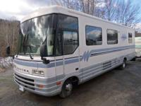 1994 Winnebago 35 RQ Very Nice Sleeps Six Levellers RV
