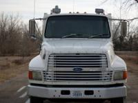 White 1994 Ford LTL9000 AEROMAX, 3176 CAT Engine with