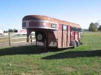 1995 Ponderosa Gooseneck 2 horse combo trailer. 16'