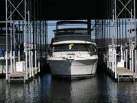 Boat priced under market price. 1995 Carver Yachts 370