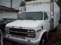 G130 Hi-Cube Van. Tommy lift 1 Owner. Runs and drives