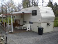 Beautiful 1995 29 feet long Cobra 5th Wheel Camper with