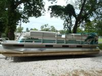1995 Crest III Caribbean 26ft Party Barge with 48hp SPL