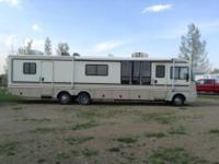 1995 Fleetwood Bounder. 460 ford gas engine. Generator,