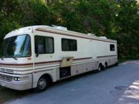 1995 Fleetwood Bounder Class A 117,744 miles Roof has