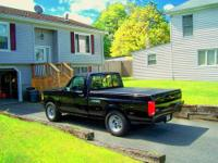 1995 Ford F150 XLT SVT Lightning. Comes with new custom
