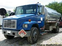 Make:  Freightliner Model:  FL70 Year: