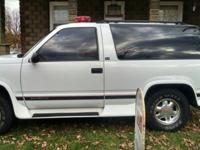 1995 GMC Yukon With snow rake 350 v8 4x4 automobile