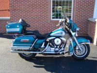 This is a super nice 1995 Harley Davidson Electra Glide