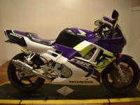 1995 Honda CBR 600 F3 600cc sportbike with a Delkevic
