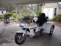 Description 1995 Goldwing with 2004 Champion kit. Easy