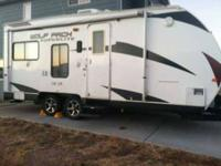 1995 Jayco Eagle This travel trailer is fully self