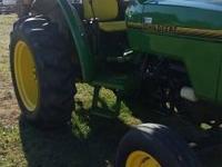 1995 John Deere Tractor 5200. 1995 John Deere 5200 50