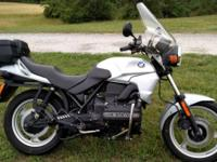 BMW K75 three cylinder 750 five speed shaft drive
