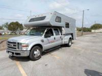 1995 Lance Legend Truck Camper in Excellent Condition
