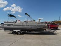 1995 Landau DX 24' Pontoon boat! This boat comes