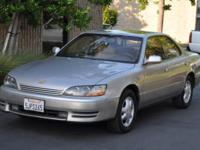 Options Included: N/AThis is a beautiful 1995 LEXUS ES