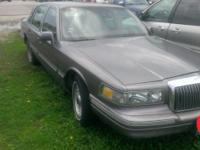 1995 Lincoln Town Car, needs engine work has knock,