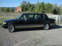 1995 Executive Series LINCOLN Town Car 6 Door Limousine