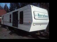 1995 Marathon Travel trailer. big slideout. full