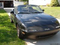 Selling my 1995 Mazda Miata MX-5 convertable.
