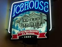 Great condition nicely detailed neon Icehouse beer