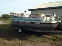*1995 beachcomber 21' pontoon *1995 Johnson 88HP Motor