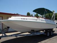 1995 SEA RAY SUNDECK 240 BOAT. THIS IS A 24 FT BOAT.