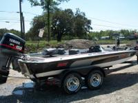 18.5 sprint pro series tournament bass boat it has 1996