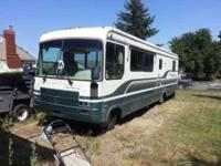 1995 Thor Residency in Excellent Condition- - White and