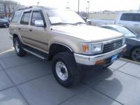 4Runner SR5 trim. 4x4. READ MORE!br /br /KEY FEATURES