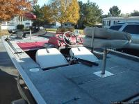 17' bass boat,with 75 hp motor & 74lb trolling motor,24