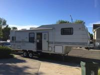 1996 Aljo 31 Foot 5th (Fifth) Wheel 2 Slides And Only
