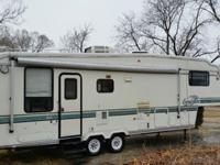 ,.1996 carri light by carriage 5th wheel travel trailer