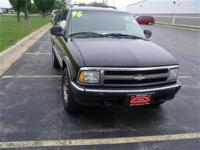 This 1996 Chevrolet Blazer 4dr 4dr 4WD 4x4 SUV features