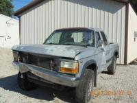 1996 Dodge Dakota 4wd 318 motor, it has a little over