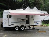1996 Fleetwood Prowler 5th Wheel This 33 foot RV has