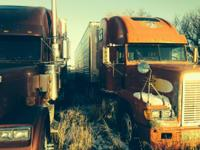 1996 Freightliner FLD3406 and 2001 Reefer Trailer. 1996