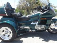 1996 HONDA GOLDWING TRIKE ONLY 33,000 MILES ON IT RUNS