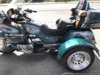 1996 GOLDWING TRIKE HAS BEAUTIFUL AIR BRUSHED WINTER
