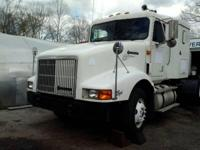 1996 International 9400 Eagle N14. 26 feet in length-